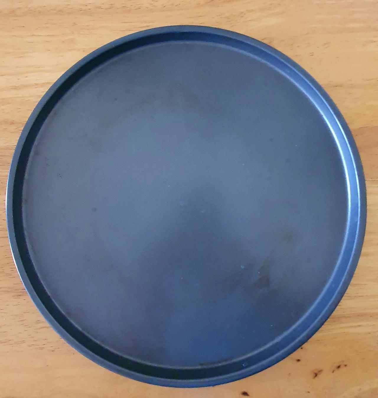 plain black round tray
