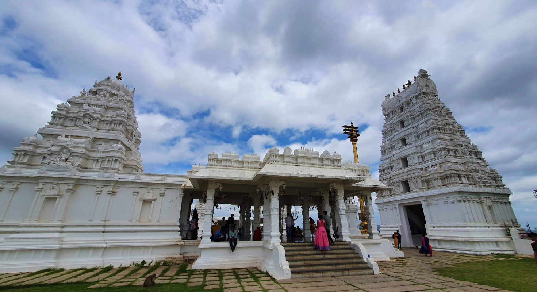 sanghi temple complex in all white