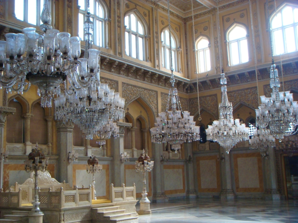 Takht-e-Nishan at the Grand Durbar room with chandeliers
