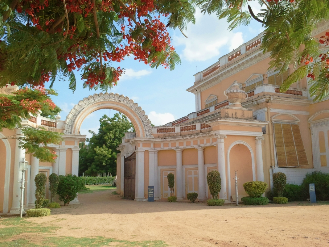 chowmahalla palace grounds in the summer